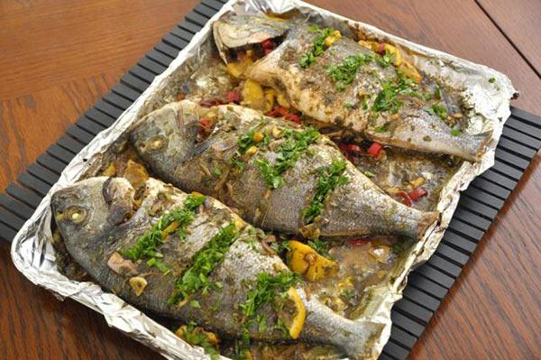 السمك المشوي بطريقة سهلة