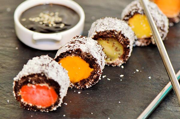 الحلويات سوشي الشوكولاتة