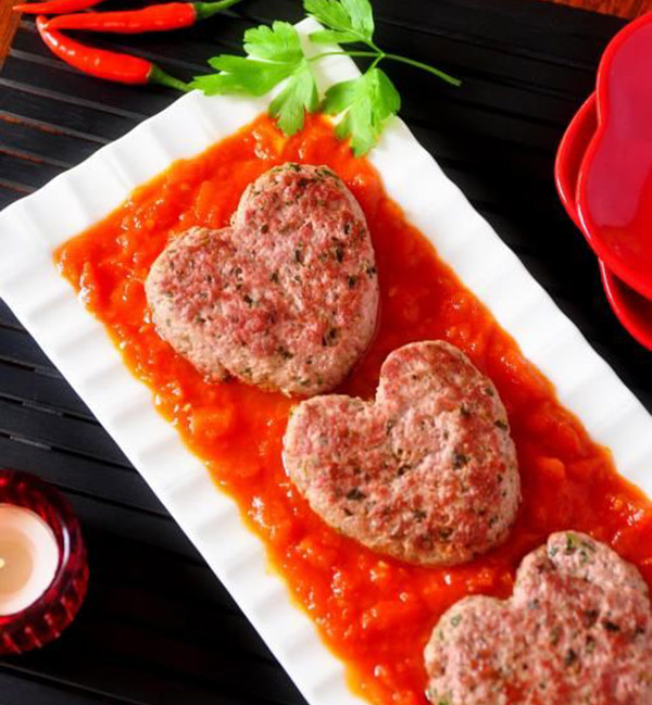 عمل قلوب الكفتة بالبندورة _Kofteh_hearts_with_tomatoes