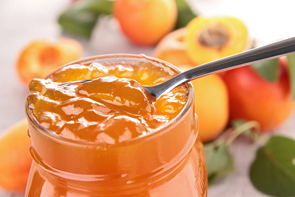 مربى المشمش الشهي apricot-jam.jpg