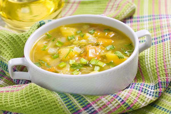 وصفة عمل شوربة الدجاج بالبطاطس  Chicken-and-potato-soup