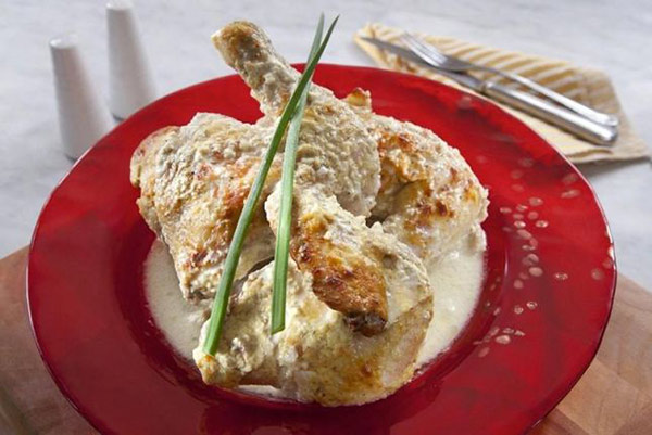 دجاج باللبن والثوم من مطبخ منال العالم
