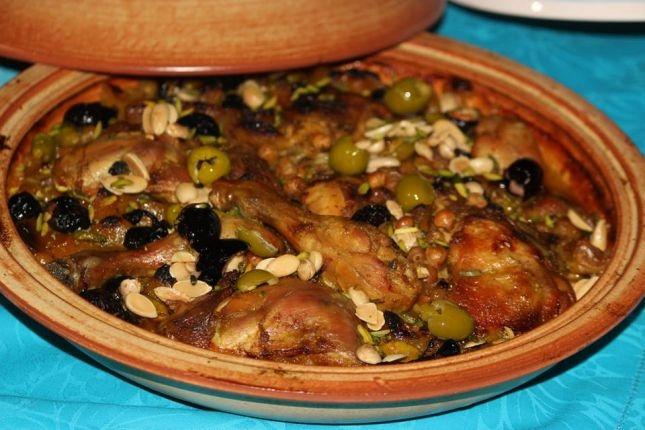 طريقة عمل طاجن الدجاج المغربي اللذيذ - وصفات طبخ -