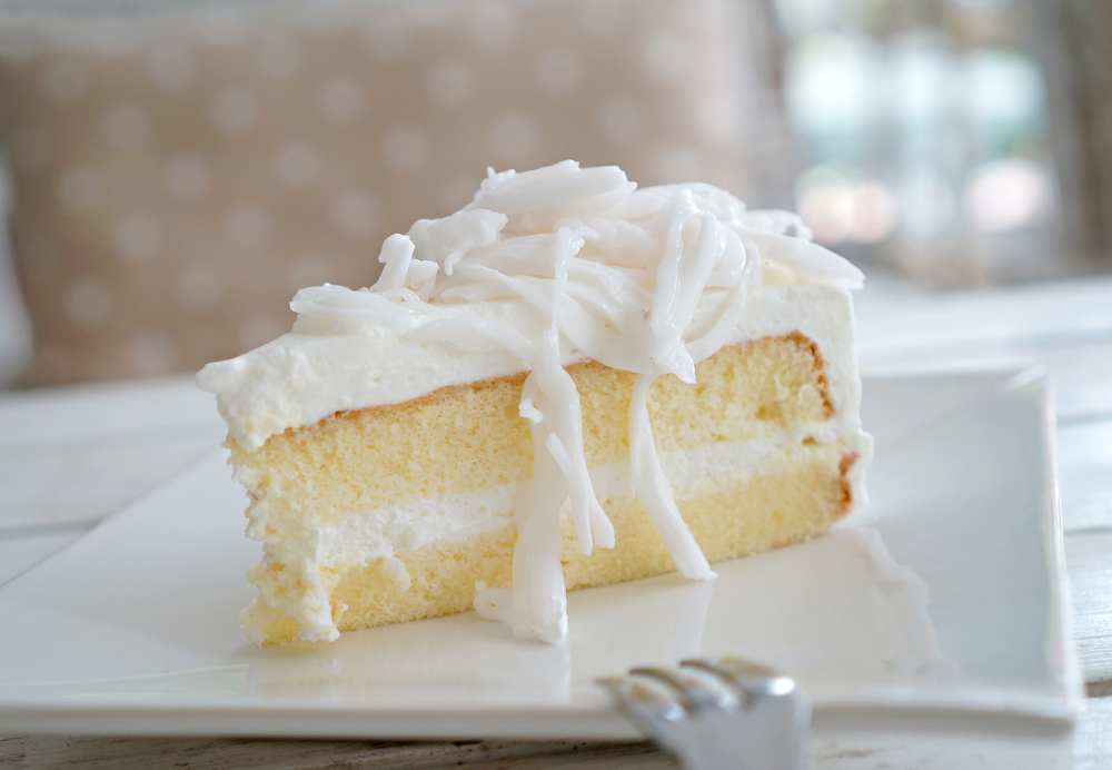وصفة عمل كيك الحليب مع الكريمة  Coconut_cake