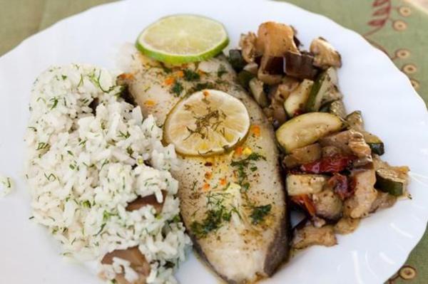 لغداء يوم الإجازة: السمك مع الرز