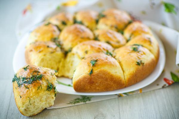 طريقة عمل كرات الخبز بالثوم Garlic-dough