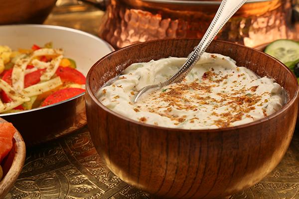 عمل سلطة اللبنة لرجيم صحي  Labneh-salad