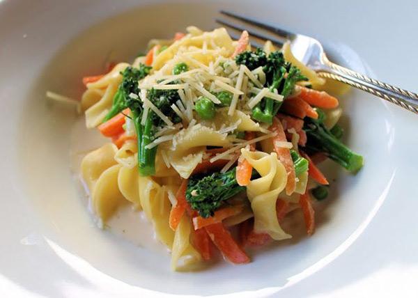 باستا بالخضر: وجبة أطفالكِ المفضلة
