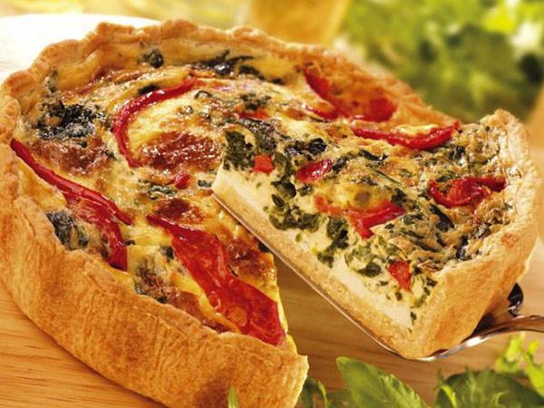 عجينة بيتزا مع السبانخ