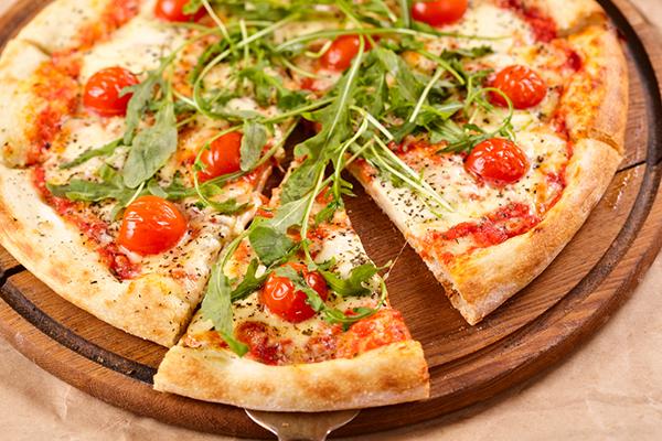 بيتزااا بالخضضار المششوية بناء مدللتناا pizza3.jpg