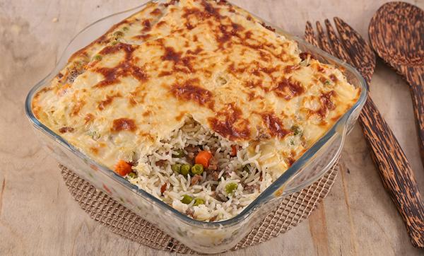 طريقة تحضير الأرز باللحم والبشاميل Rice-with-bachamel-