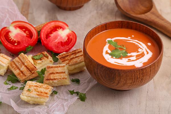 ~✿شوربة الطماطم!✿~ tomato-soup1.jpg