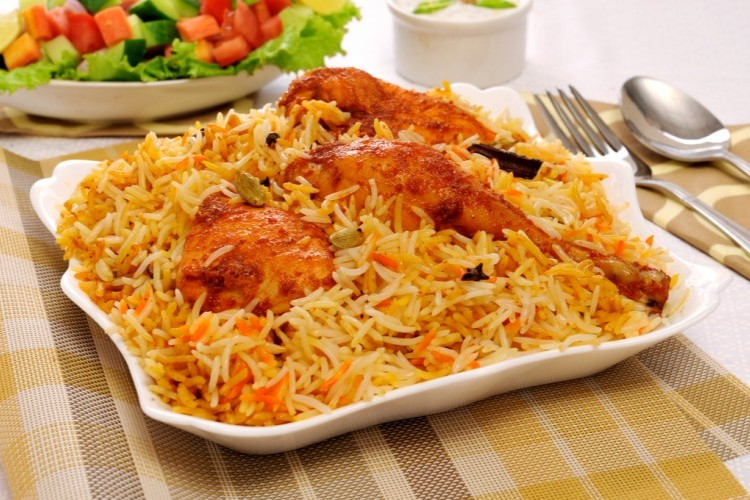 الأرز المدخن بالدجاج والخضار