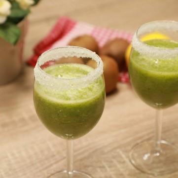 عصير الكيوي والليمون بالفيديو