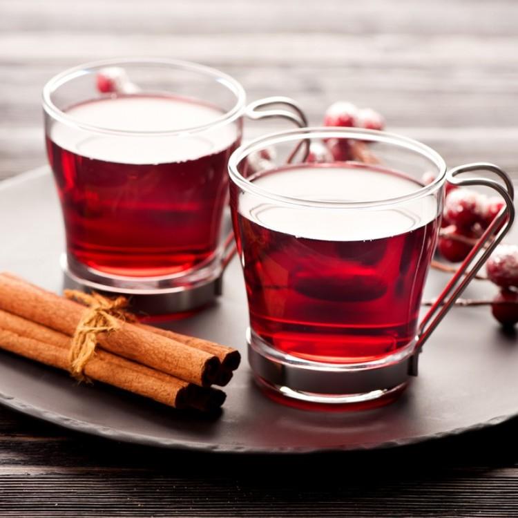 شاي بالقرفة والتوت البري