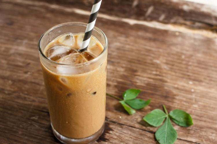 قهوة مثلجة بالحليب