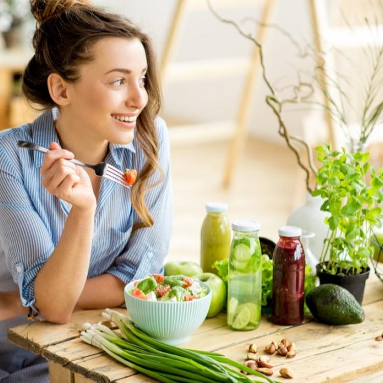 أنواع من الأطعمة تحافظ على شبابك وصحتك
