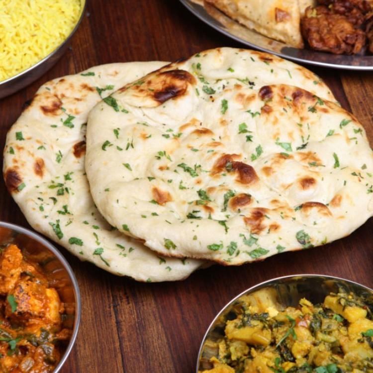 خبز النان الهندي بالثوم
