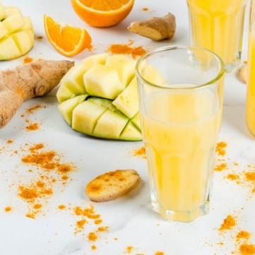 سموذي المانجا بحليب جوز الهند الصحي