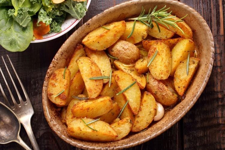 بطاطس مشوية بالفرن للرجيم