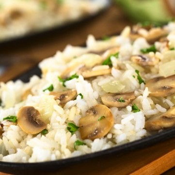 أرز بالمشروم والبصل للرجيم