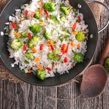 أرز بالخضار بطريقة صحية