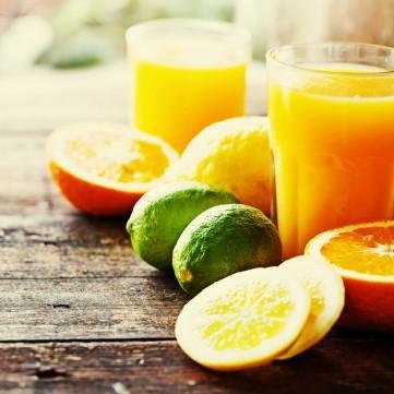 عصير الحمضيات الغني بفيتامين سي