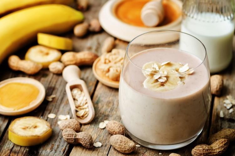 سموذي الموز بزبدة الفول السوداني