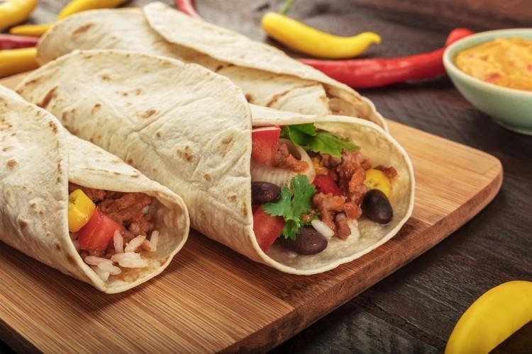 لفائف اللحم المفروم على الطريقة المكسيكية