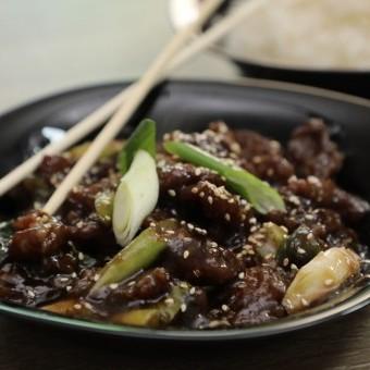 منغوليان بيف على طريقة المطاعم بالفيديو