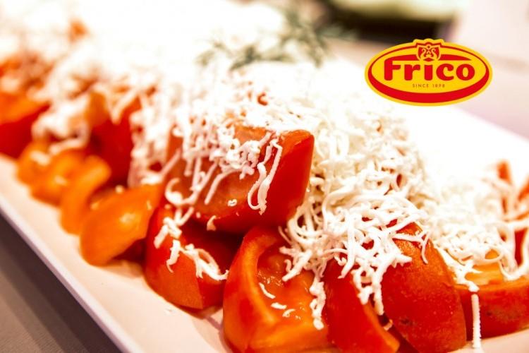سلطة الطماطم بجبن الموزريلا والريحان