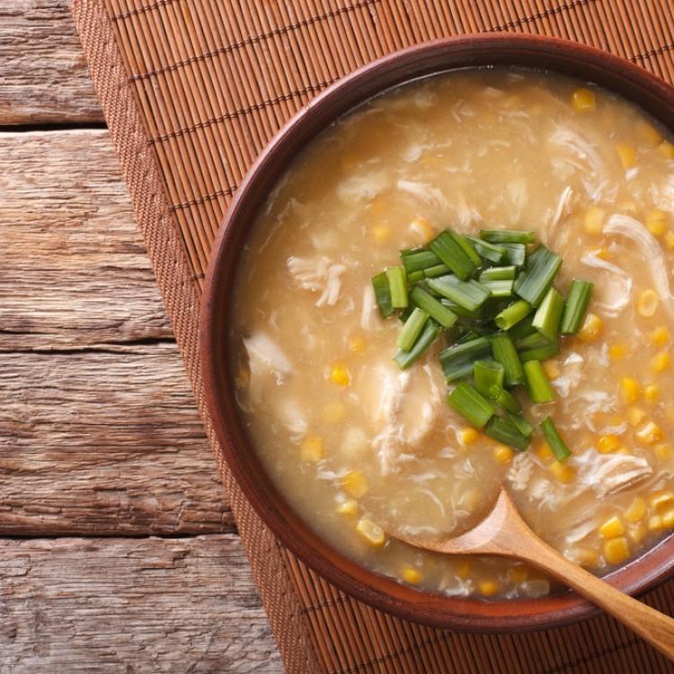 شوربة الذرة بالدجاج الصينية