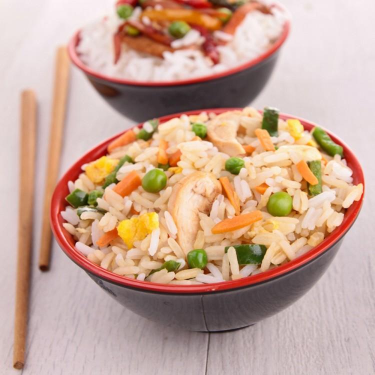 أرز صيني بالخضار والدجاج 247f0a28385e1e39703f