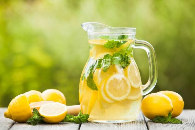 ليموناضة الليمون بالنعنع