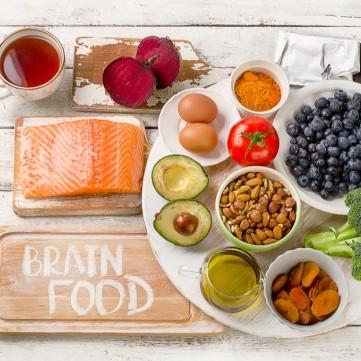 قائمة الأطعمة التي تساعد أطفالك على التركيز في المذاكرة