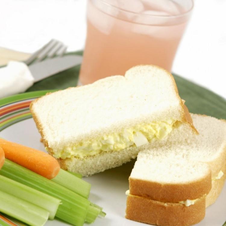 ساندويشات البيض بالمايونيز