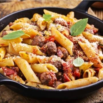 باستا مع كرات اللحم على الطريقة الإيطالية