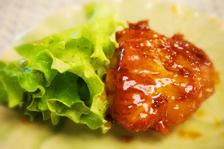 تندر دجاج مشوي بصلصة العسل والليمون