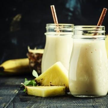 سموذي الأناناس بحليب الصويا