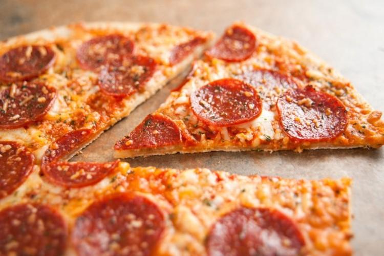 طريقة عمل بيتزا دايت بالسلامي - البيتزا - أكلات رجيم -