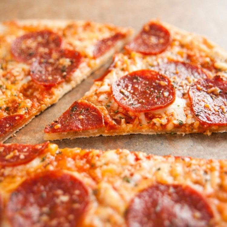 بيتزا دايت بالسلامي