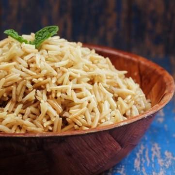 الأرز البني باللوز للوقاية من سرطان الثدي صحي وشهي