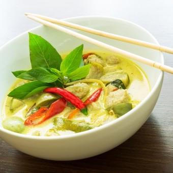دجاج بالكاري الأخضر التايلندي