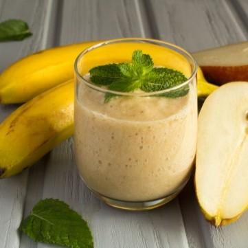 سموذي الموز بالإجاص ...صحي وسريع