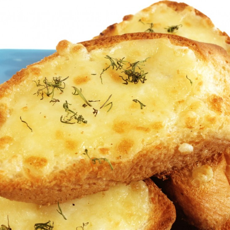 خبز الثوم مع جبن الموزريلا