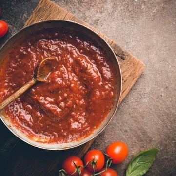 صلصة البيتزا الإيطالية في المنزل