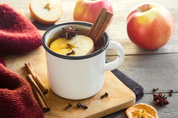 شاي بالتفاح والقرفة