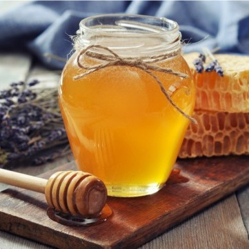 العسل مع الحبة السوداء يسرّع تعافي مصابي كورونا