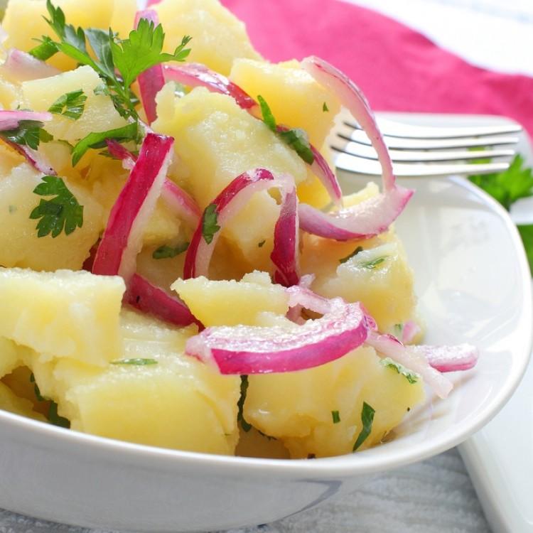 سلطة البطاطس بالبقدونس 43f209ecfad5f0cbc036