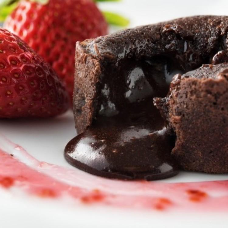 تعلمي تحضير أشهى أطباق الحلويات بالشوكولاتة
